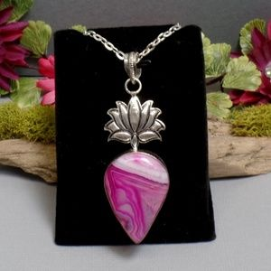 Pink Agate Lotus Necklace - Gemstone Necklace